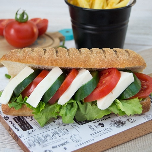 Sandwich with white cheese